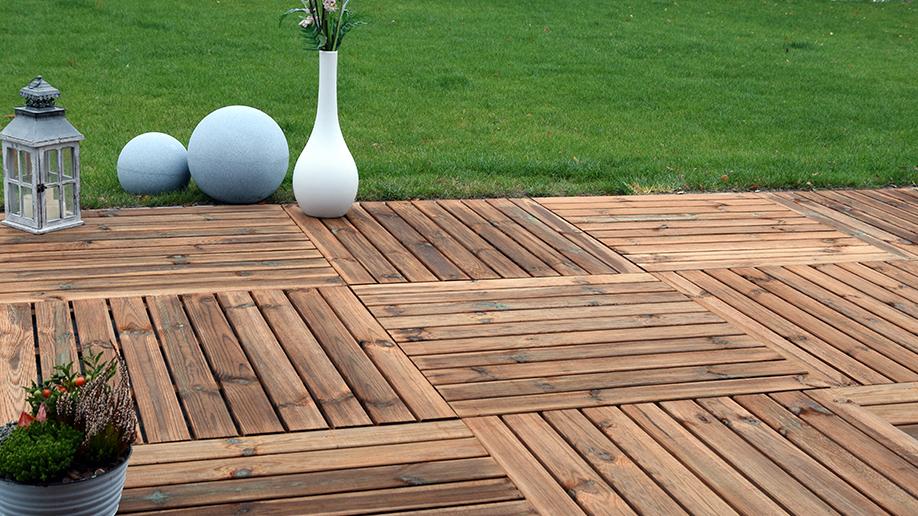 Cómo instalar un suelo exterior de madera o composite
