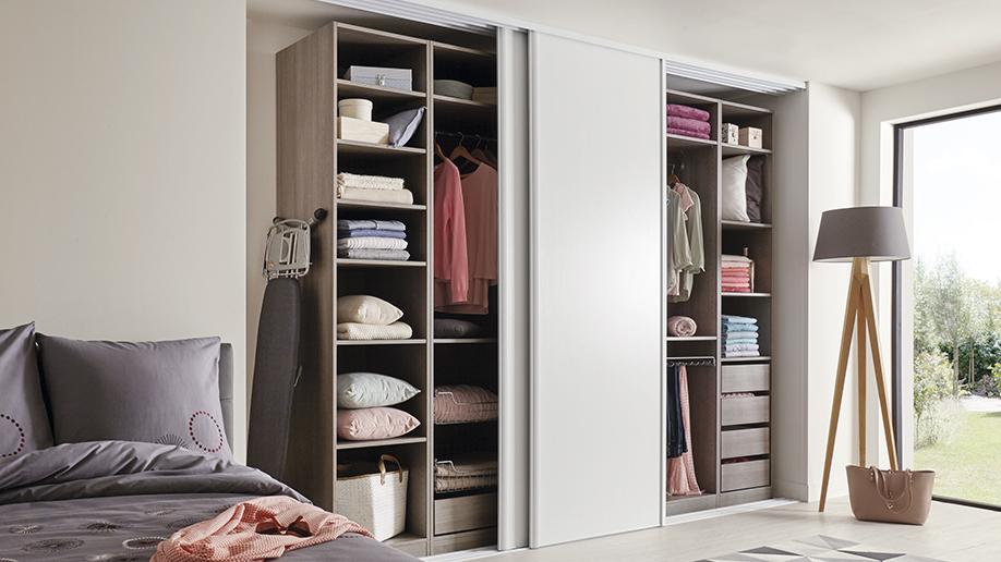 Cómo hacer un vestidor perfecto en tu habitación